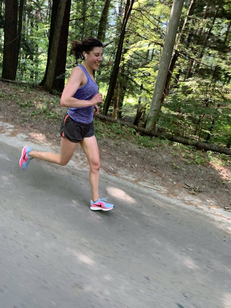 lizzy running downhill training for the Berlin marathon