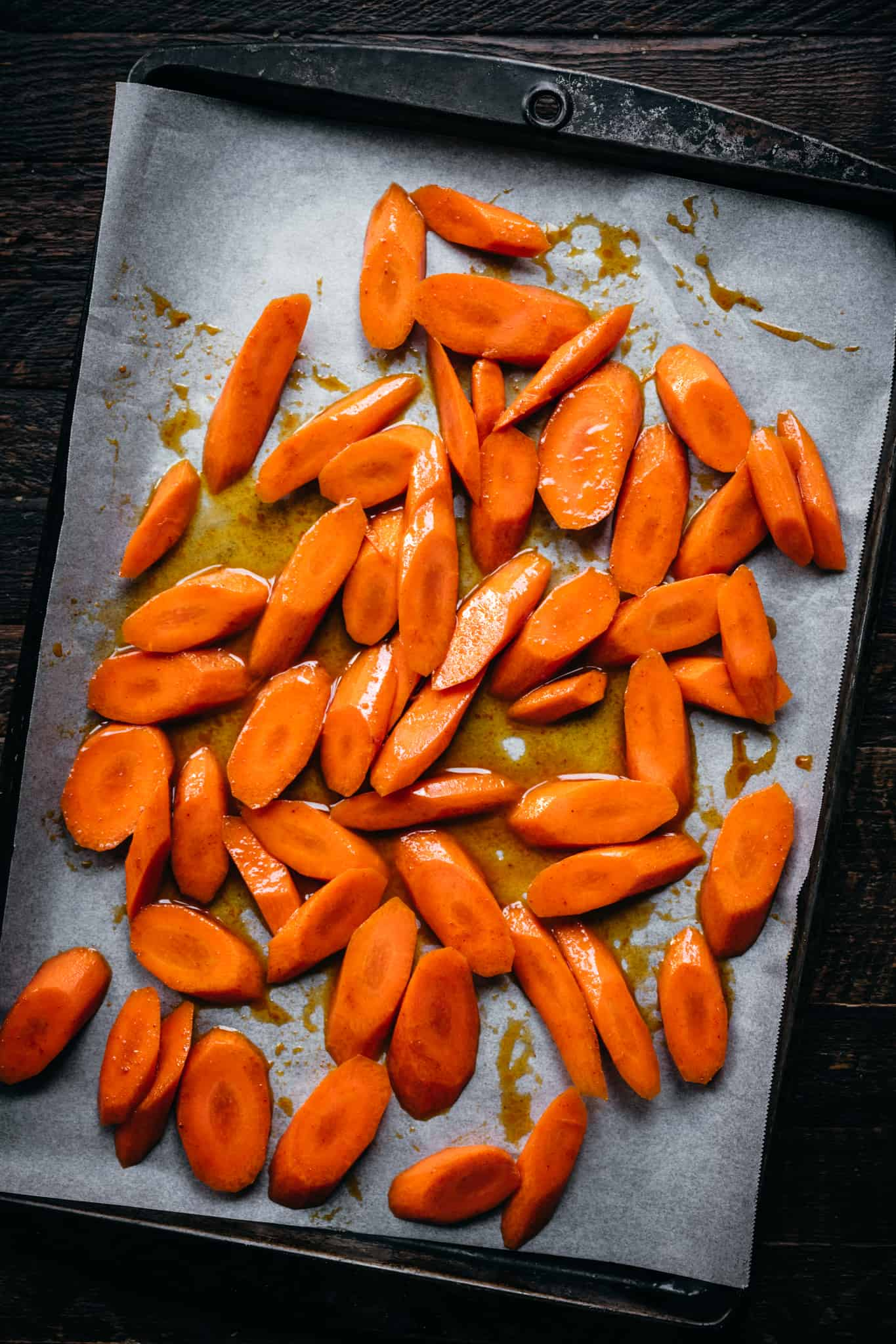 overhead view of moroccan spiced carrots before roasting