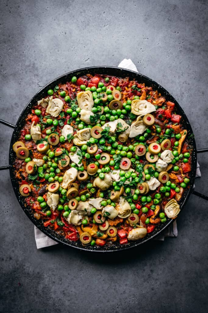 overhead view of paella in pan
