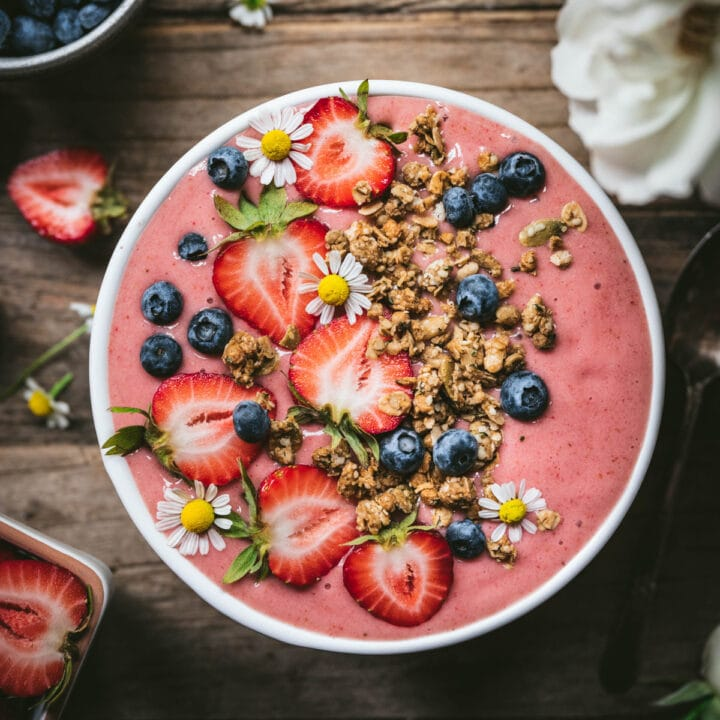 overhead view of strawberry smoothie bowl